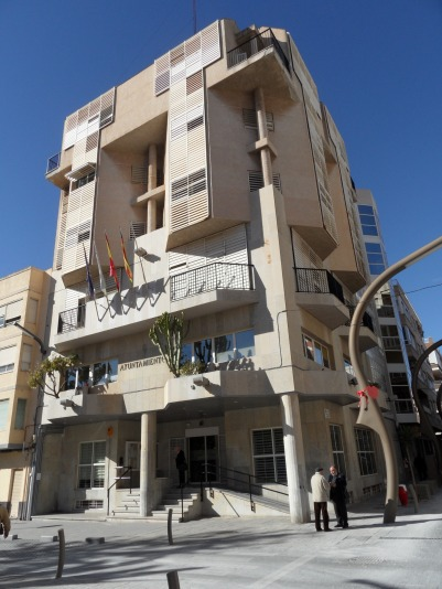 El edificio del Ayuntamiento de Torrevieja.
